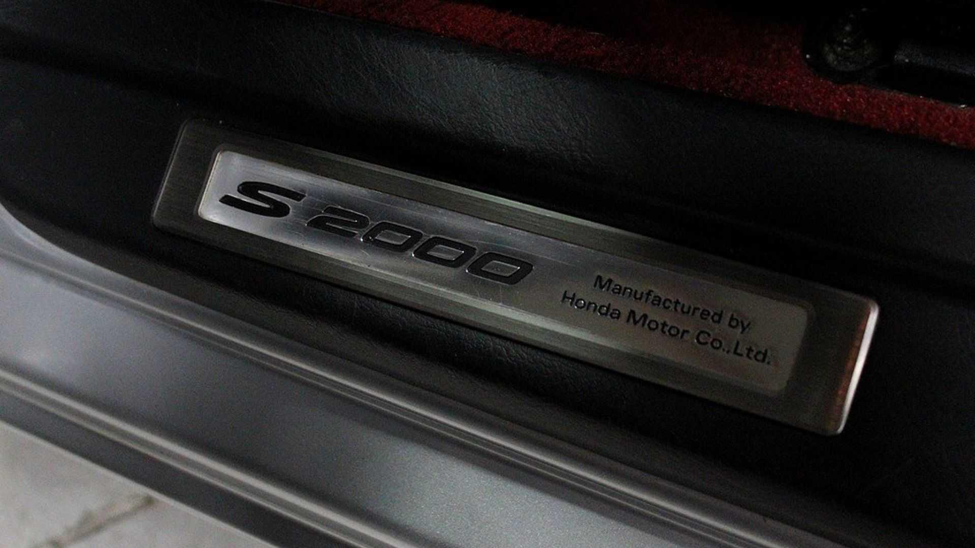 """[""""2004 Honda S2000""""]"""