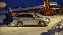 Mitsubishi Outlander PHEV vs Fiat Panda 4x4