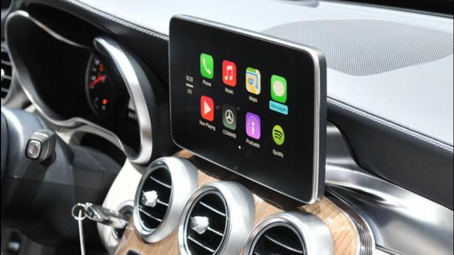 Perchè il CarPlay della Apple fa discutere a Ginevra