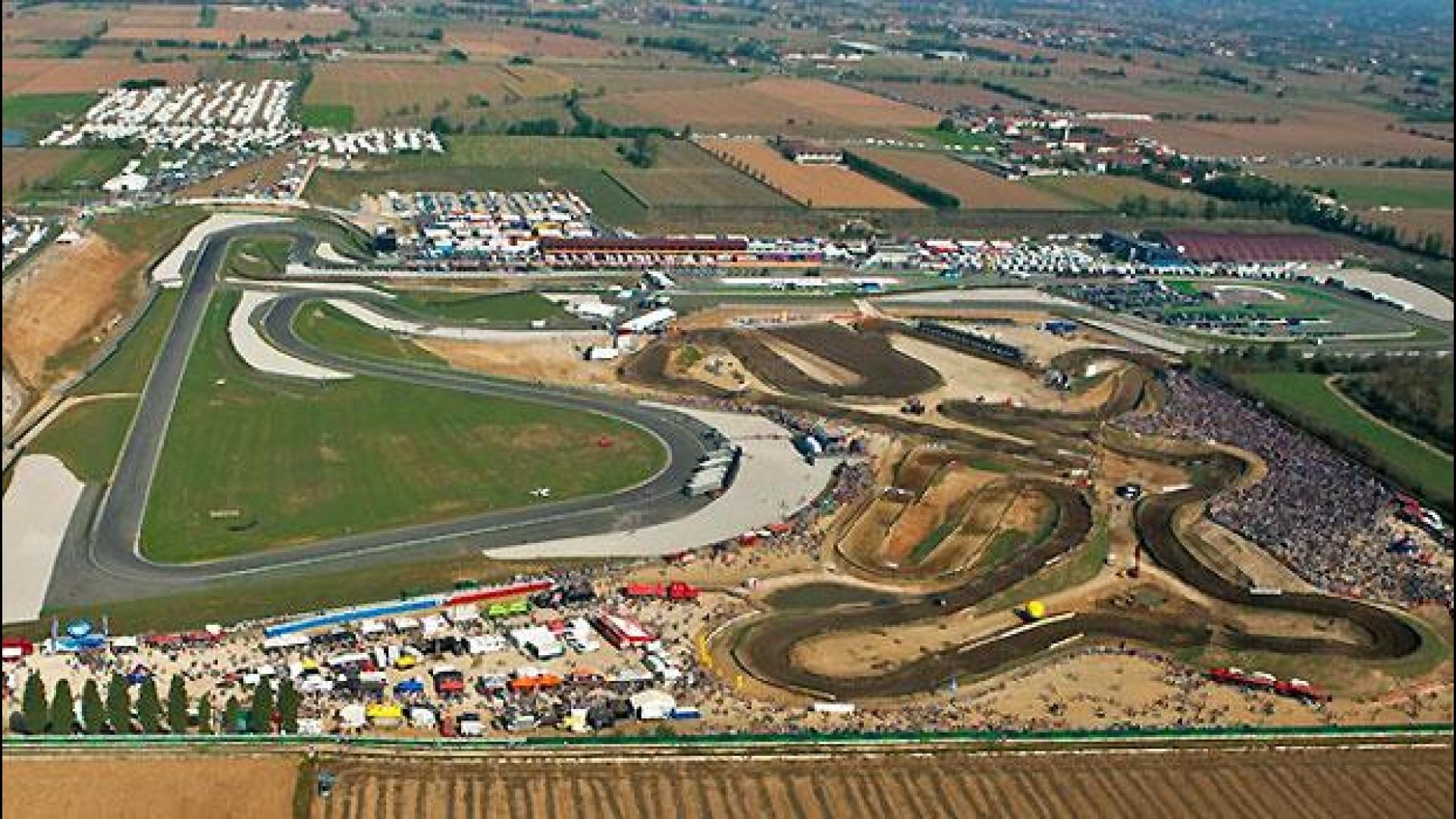 Franciacorta Circuit : Pagani huayra bc at franciacorta circuit side view sssupersports
