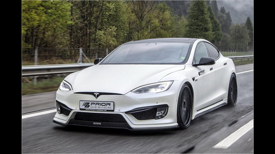 Tiefergelegter Tesla