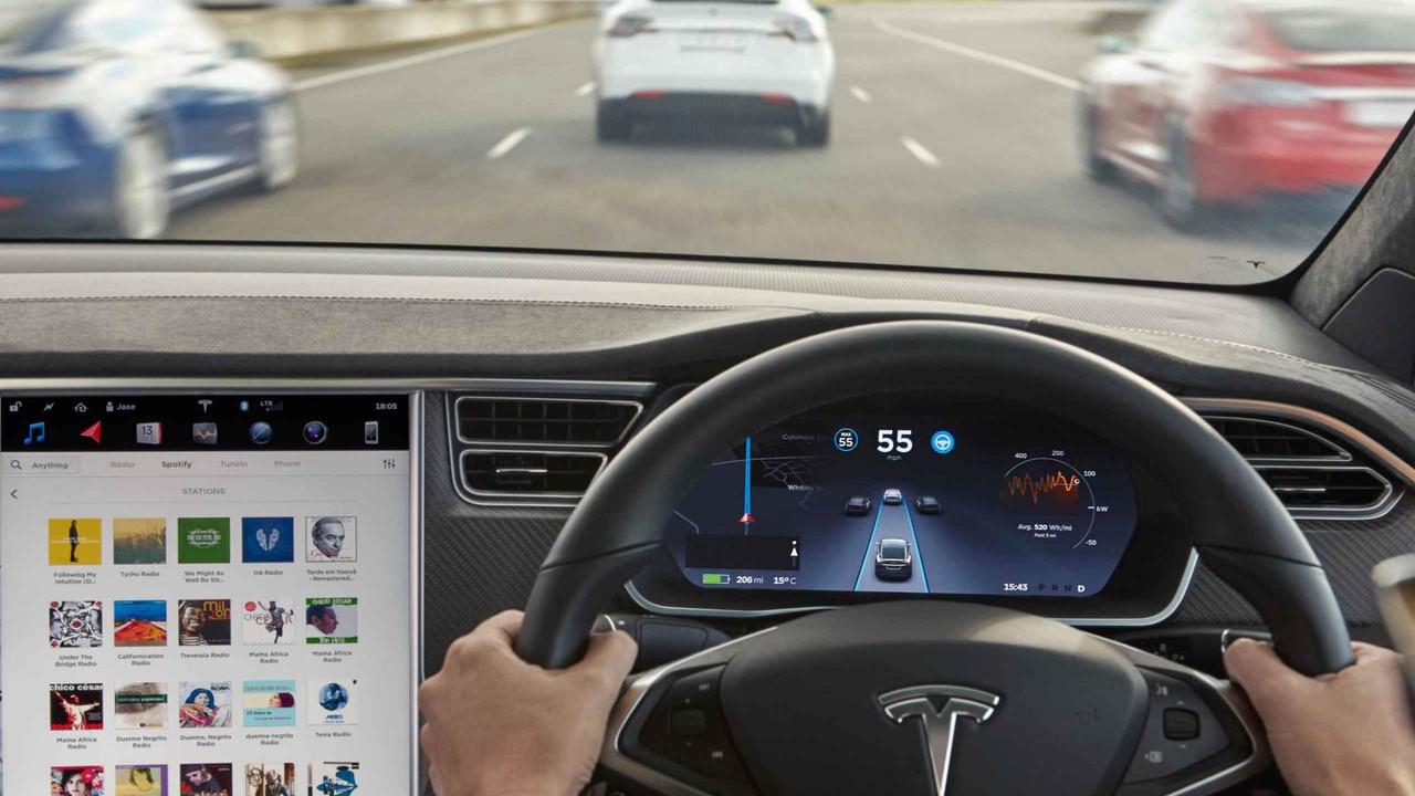 Tesla Model X iç mekan