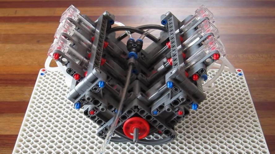 LEGO'lardan yapılmış bu V6 motor aklınızı başınızdan alacak