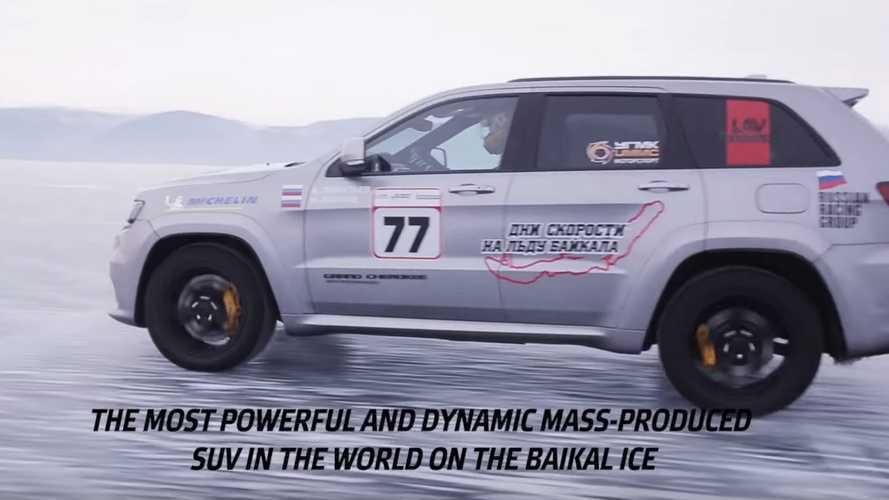 Jeep Grand Cherokee Trackhawk, buz üzerinde hız rekoru kırdı