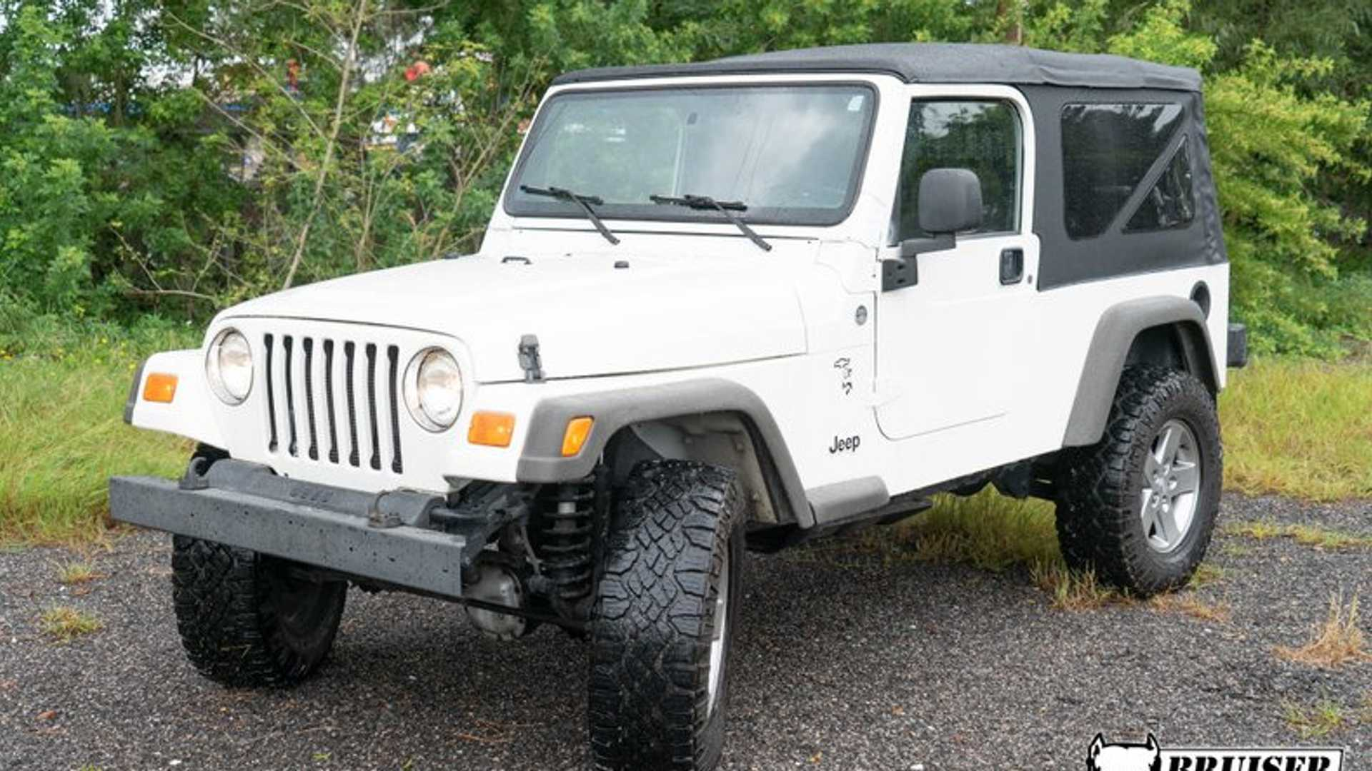 "[""Be A Sleeper Jeeper In This LS-Swapped Jeep Wrangler LJ""]"