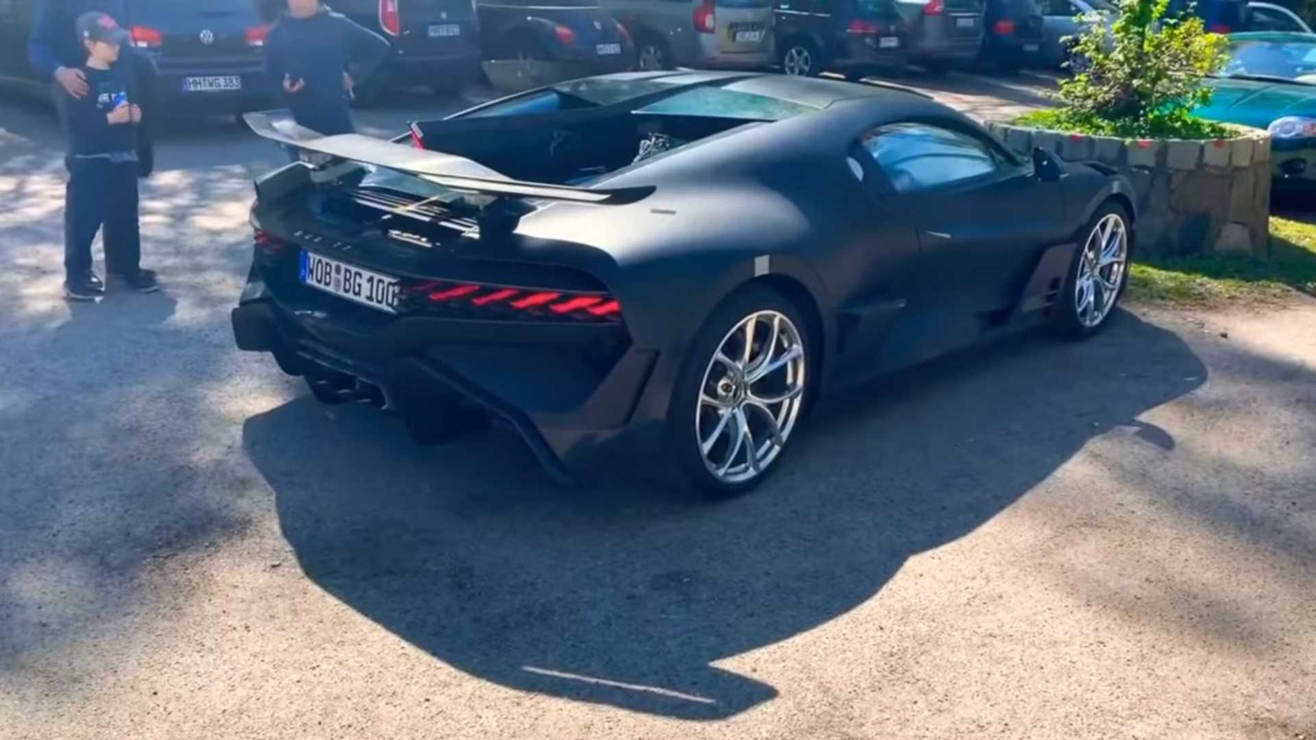 Stealthy Bugatti Divo Looks Like What Darth Vader Would Drive