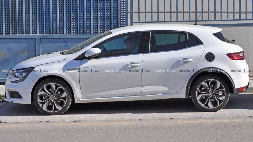 Photo espion Renault Megane hybride