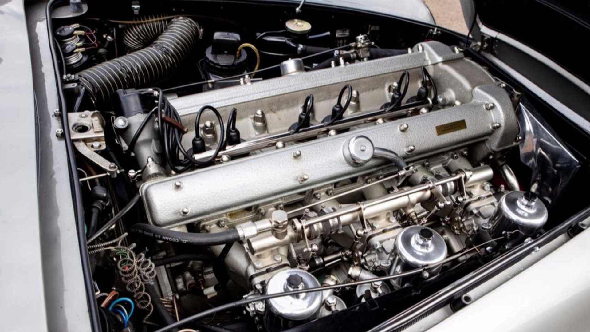 "[""Aston Martin DB5""]"