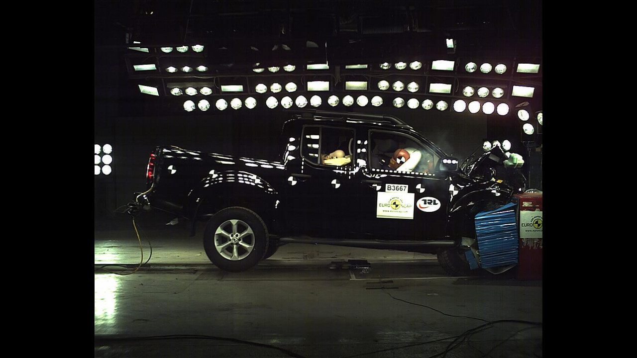 Secondo Crash Test Nissan Navara