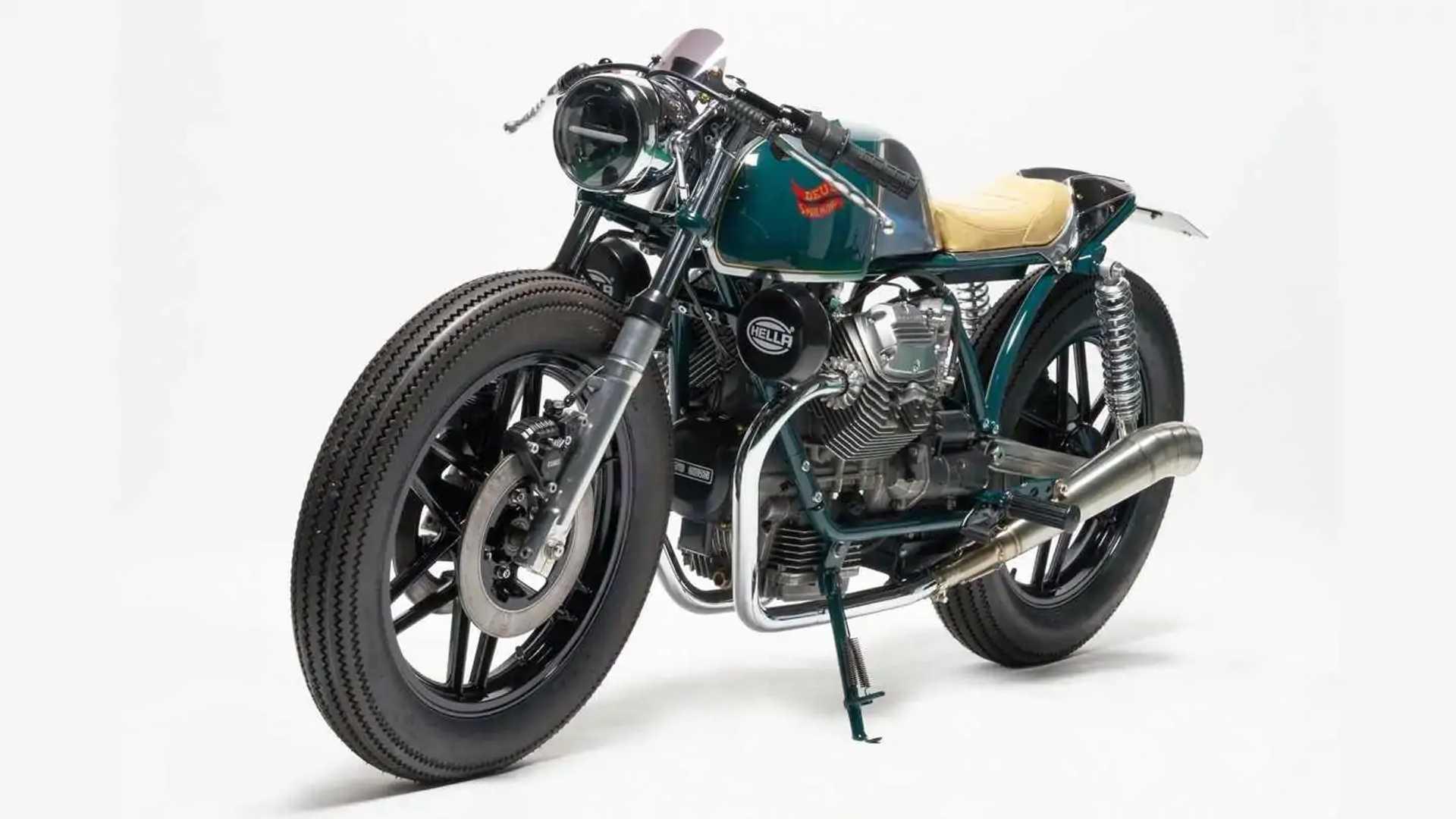 Deus ex Machina Moto Guzzi V50 Beretta - Left Side Front Angle View