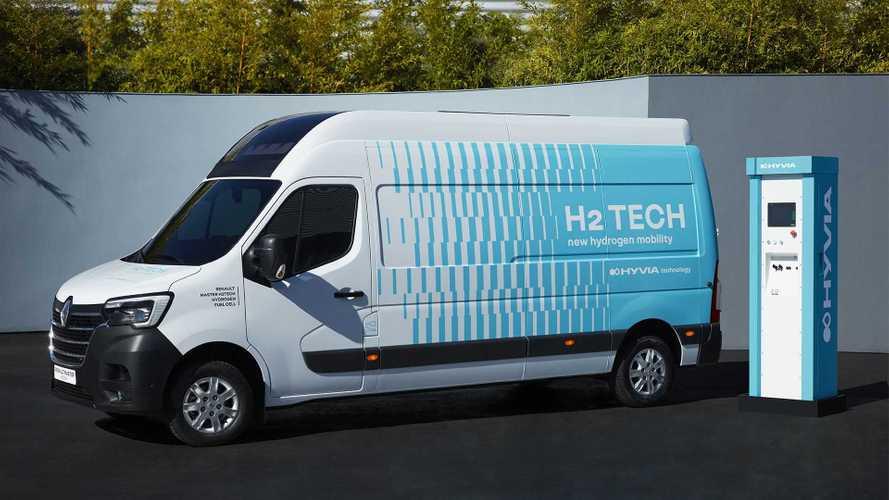 A HYVIA hidrogéncellás furgont csinált a Renault Masterből
