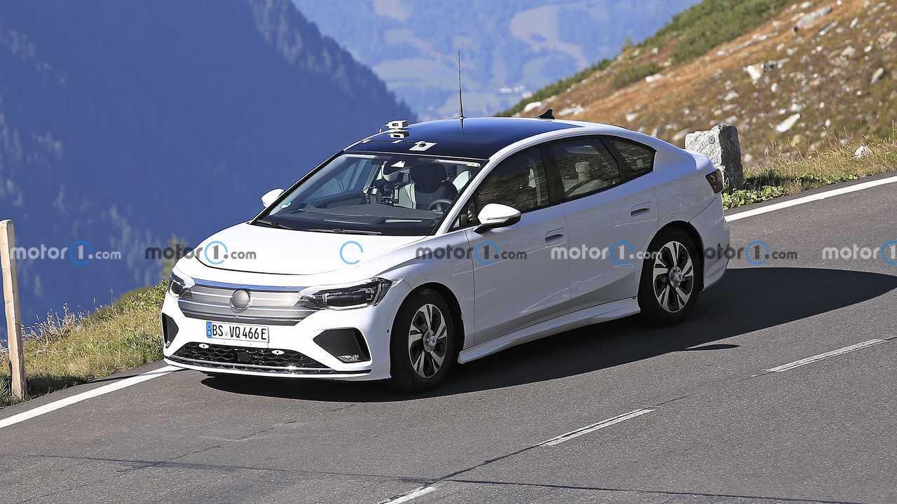 Электрического наследника Volkswagen Passat заметили на тестах