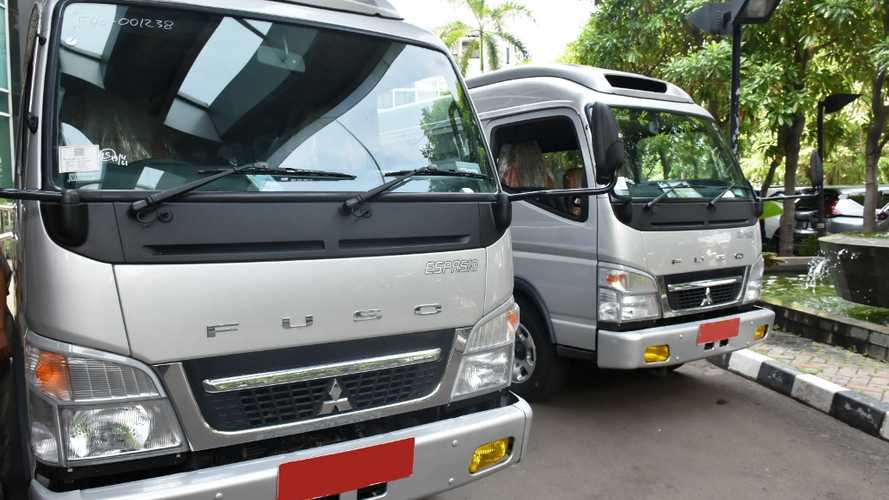 Mitsubishi Fuso Donasikan Espasio kepada Pemprov DKI Jakarta
