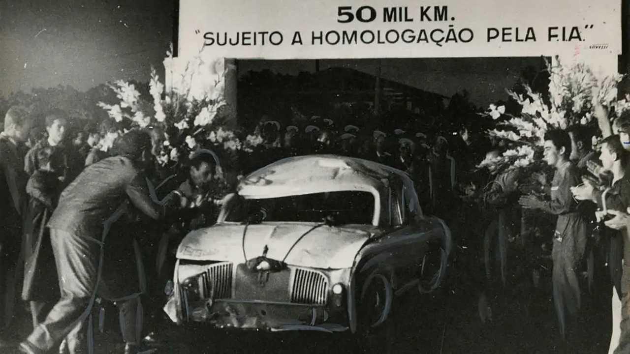Chegada dos 50.000 km do Gordini em Interlagos