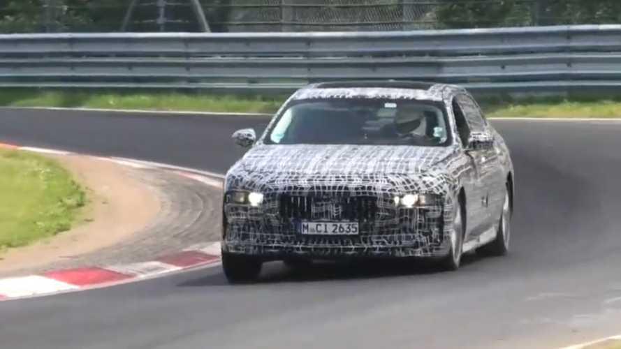 Már a Nürburgringen izzasztják az új plug-in hibrid 7-es BMW-t