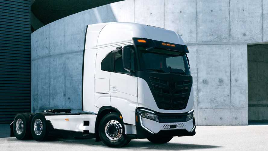 Iveco, 24 camion elettrici Nikola Tre per il porto di Amburgo