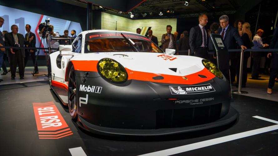 Porsche 911 RSR, arriva il motore centrale [VIDEO]