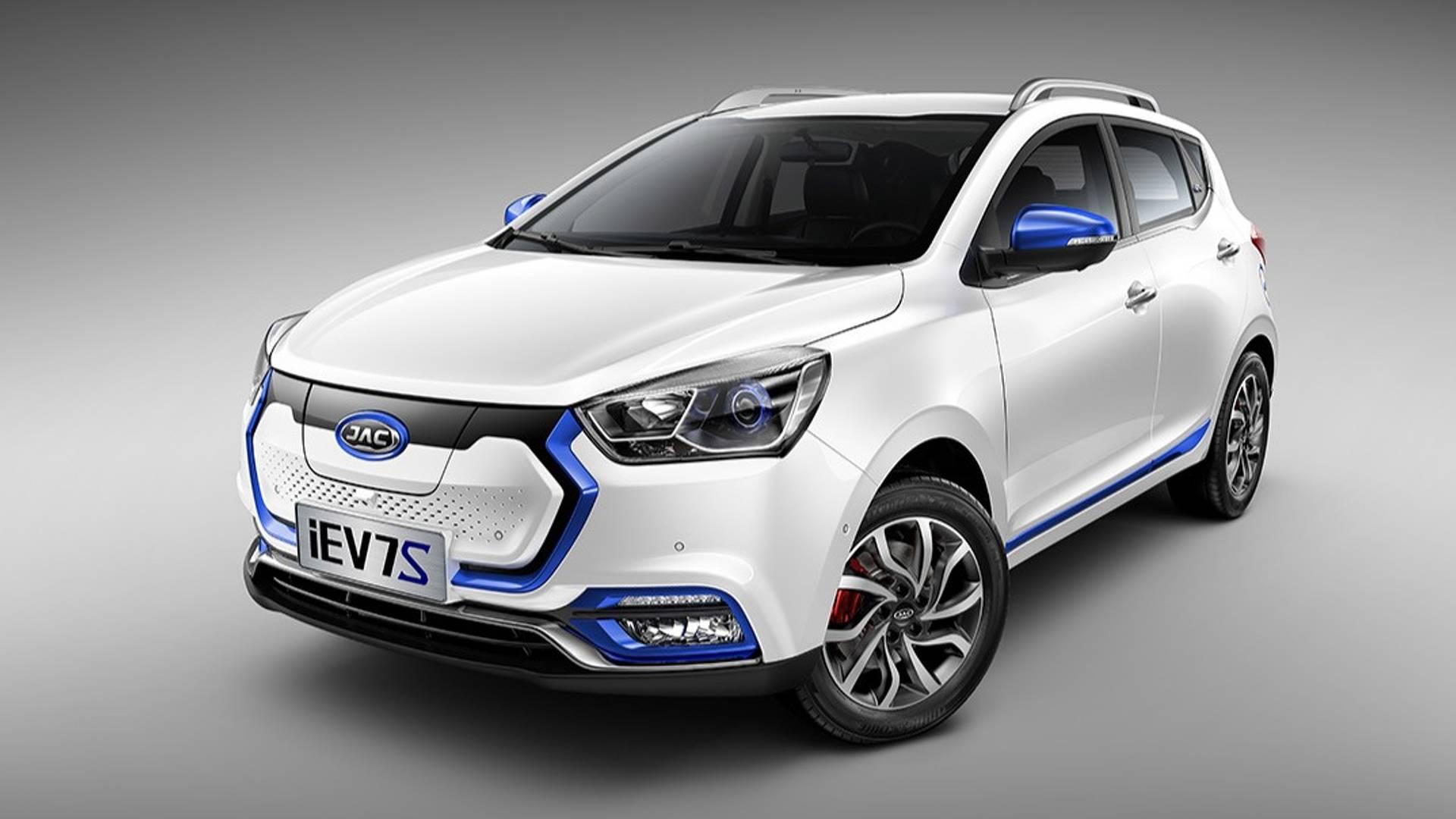 JAC уточнил комплектацию доступного электромобиля для России
