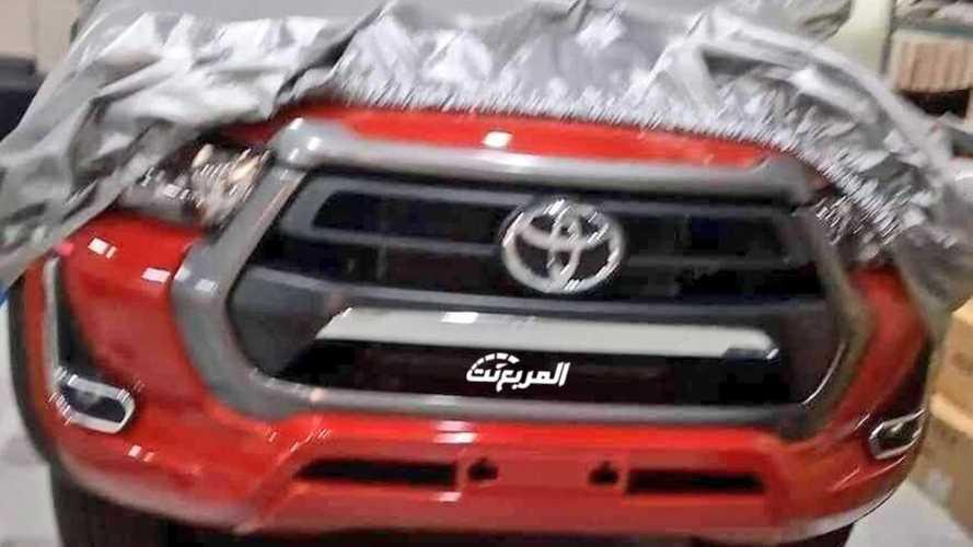 Nova Toyota Hilux 2021 revela dianteira em foto vazada antes da apresentação