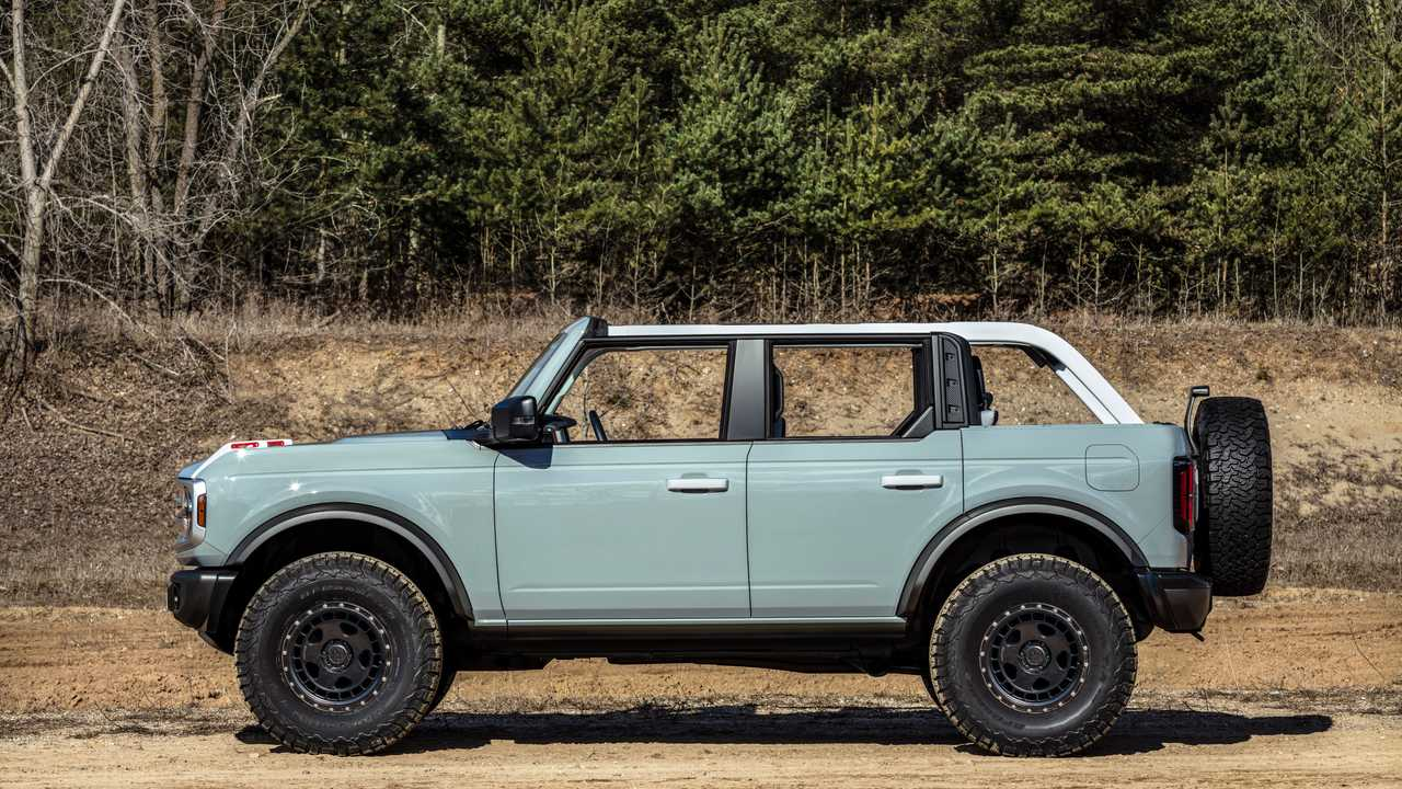 2021 Ford Bronco from the side with whole roof removed