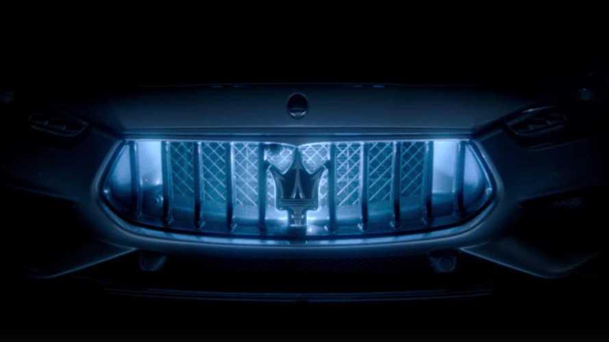 Гибридный Maserati Ghibli: опубликованы новые видео