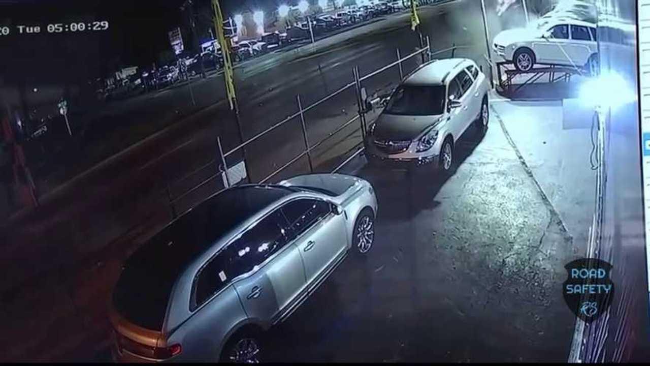 Cadillac kereskedés baleset