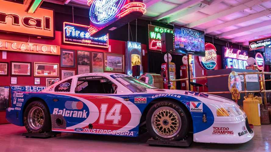740 lots of Americana – including a diner! – sell in 2-day auction