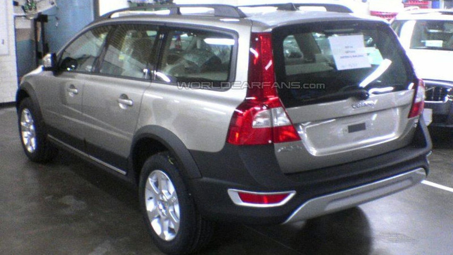 SPY PHOTOS: Latest Volvo XC70