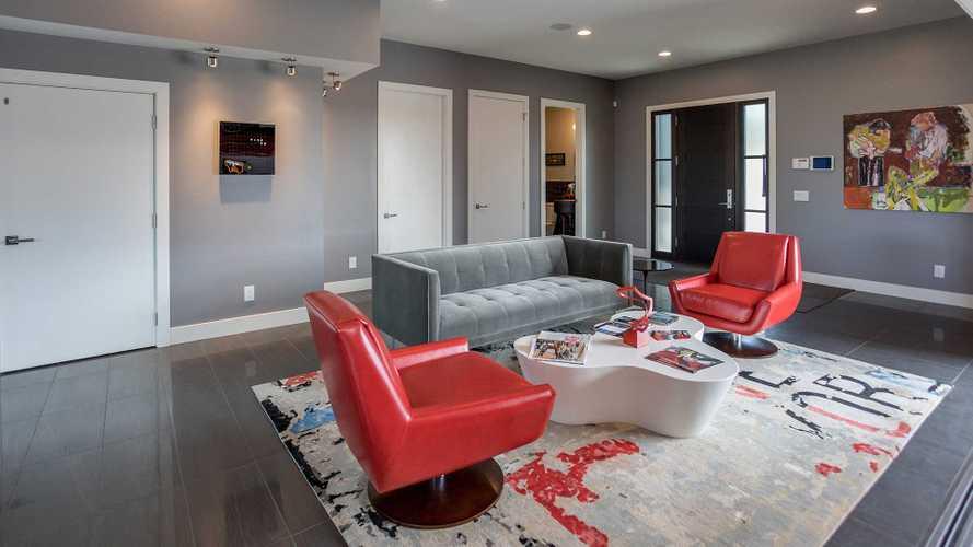Luxury Garage Home 5003611