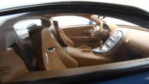 2005 Bugatti Veyron 1:8 scale model from Amalgam Collection