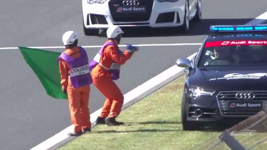 VIDÉO - La drôle de chorégraphie d'un commissaire de piste à Fuji, en WEC