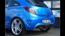 Blauer Power-Bolide