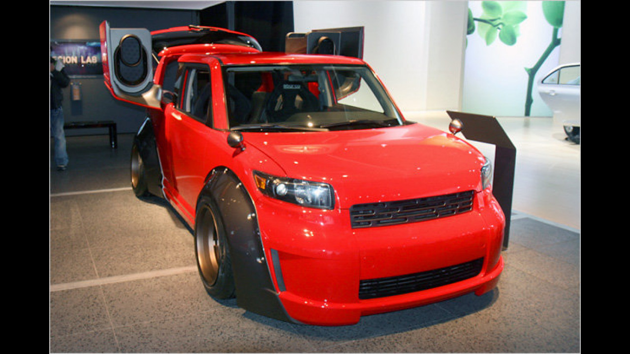 Scion xB DJ 2.0 von Five Axis