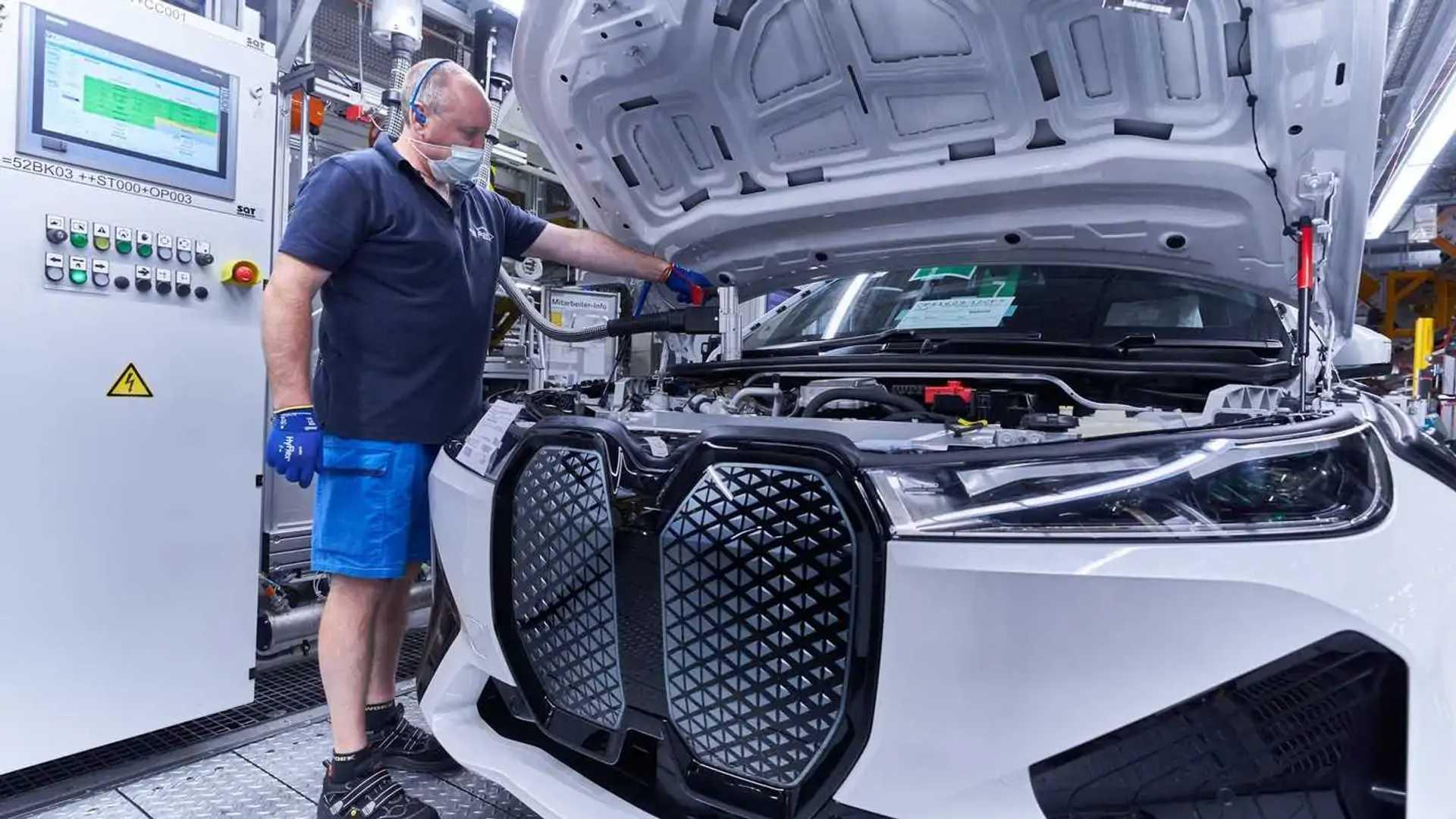 BMW iX Manufacturing Photos