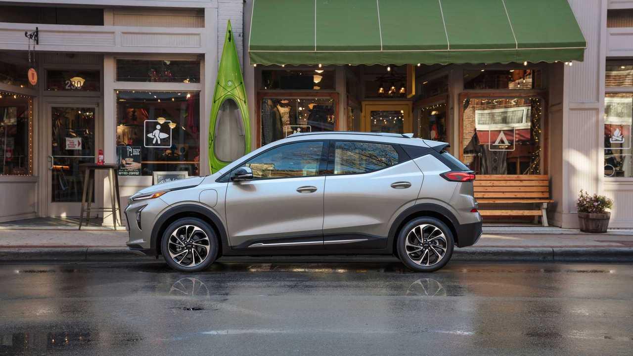 2022 Chevrolet Bolt EUV profile