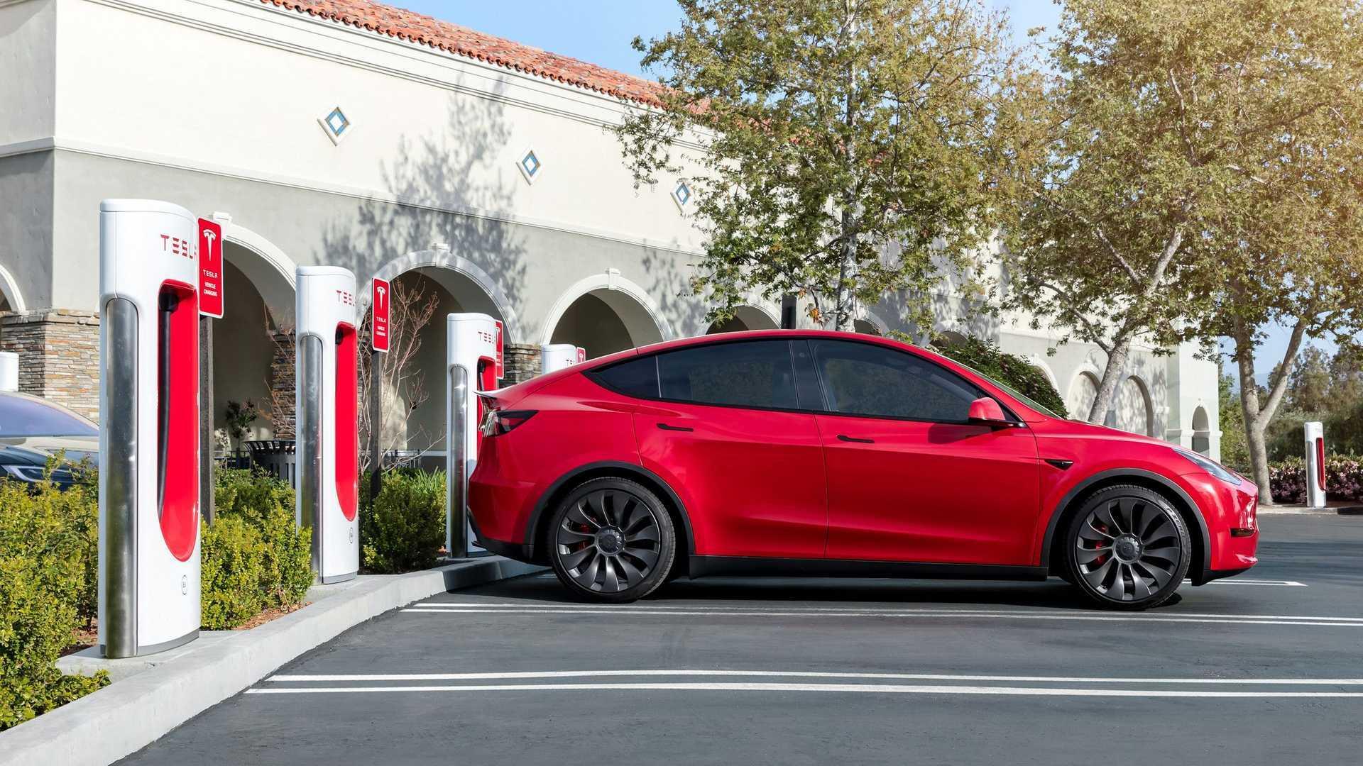 Tesla Model Y Standard Range Return ...