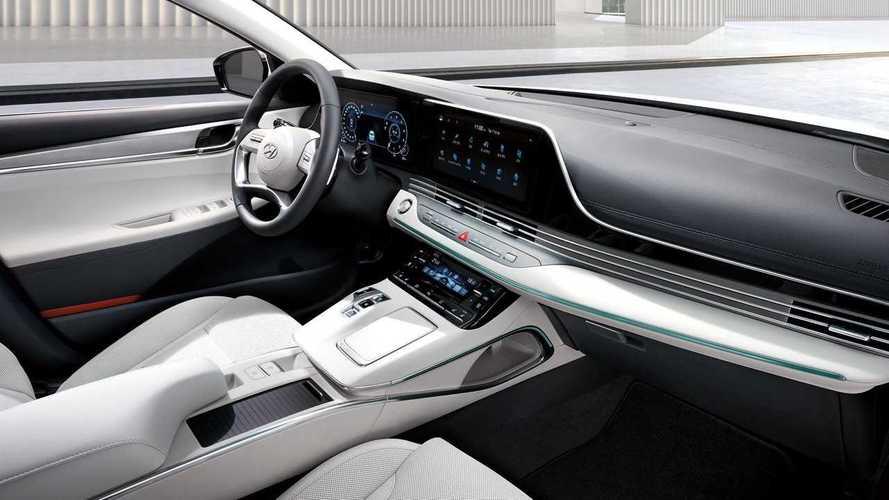 Hyundai Grandeur Le Blanc Adds (Mostly) White Cabin to Flagship Sedan