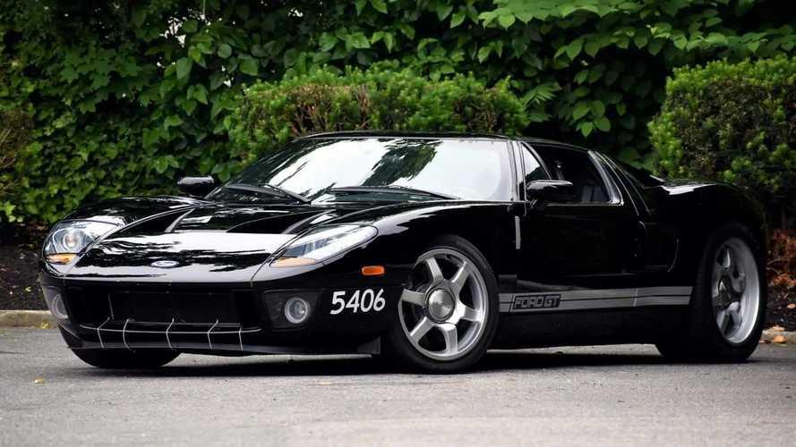 С молотка уйдет первый ходовой прототип суперкара Ford GT