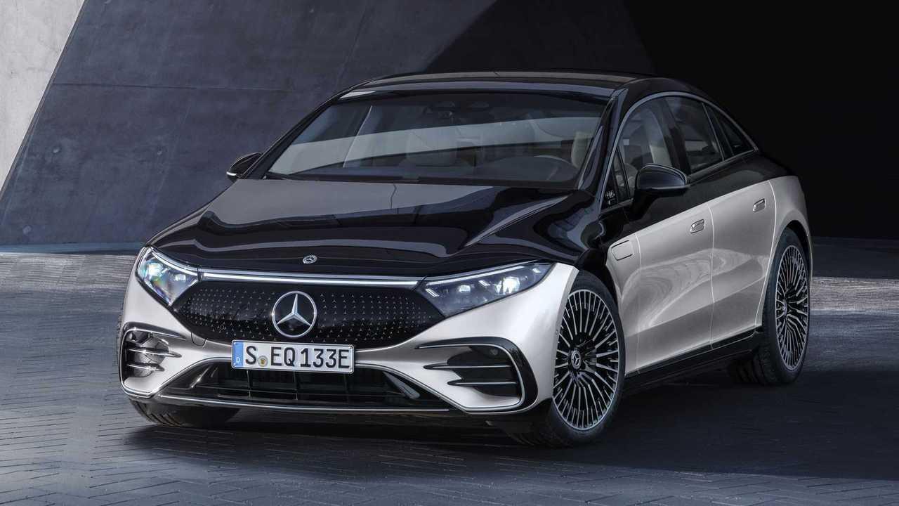 Mercedes-Benz полностью рассекретил флагманский электромобиль EQS