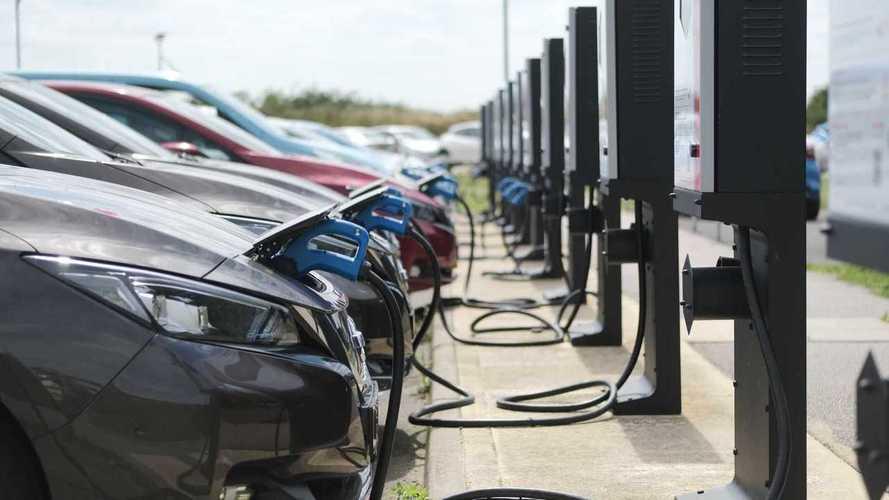 Carros elétricos ajudam a reduzir as emissões médias na Europa