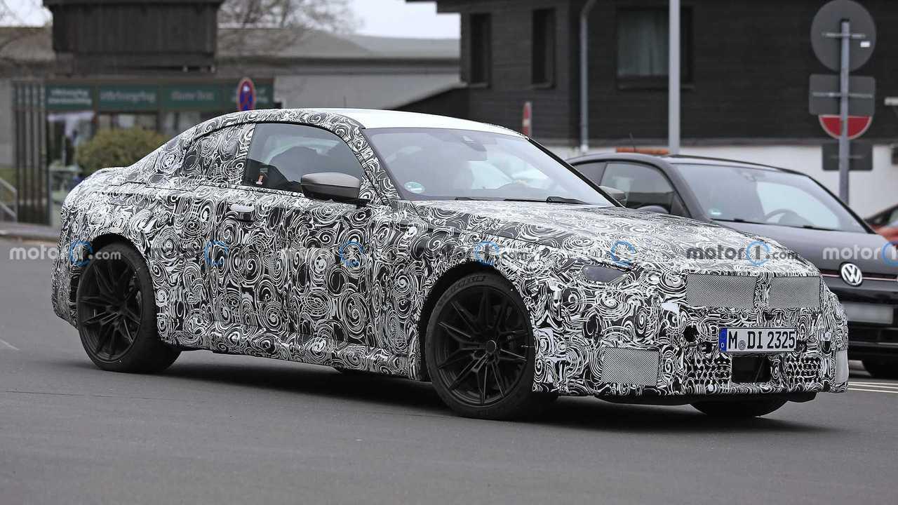 2023 BMW M2 Coupe spy photo