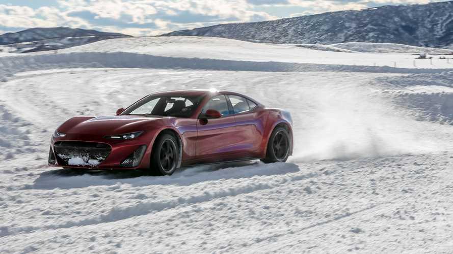 Vídeo: el Drako GTE se divierte derrapando sobre un lago helado