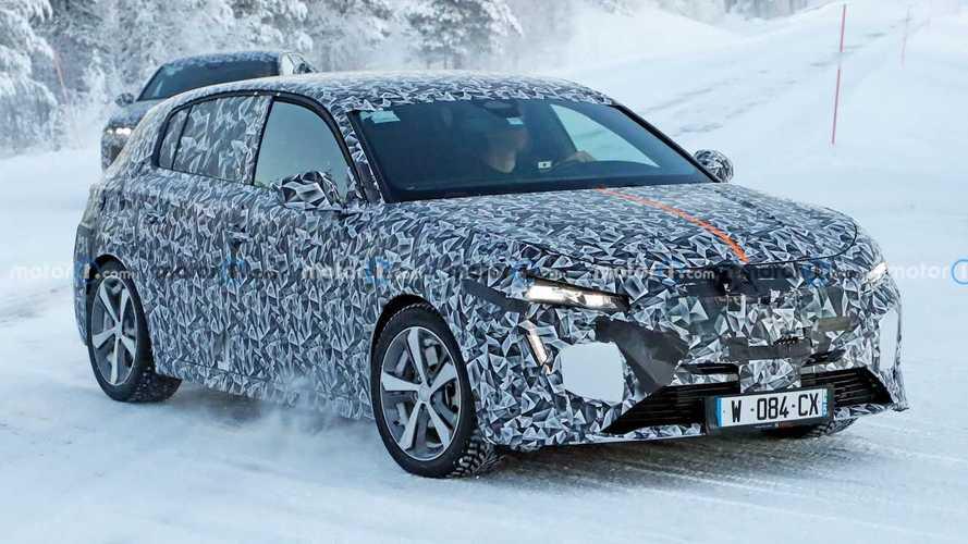 La nuova Peugeot 308 potrebbe arrivare anche in variante crossover