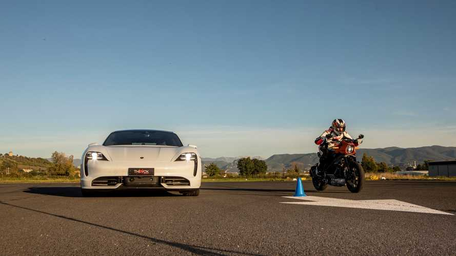 Harley-Davidson LiveWire vs Porsche Taycan: la drag full electric