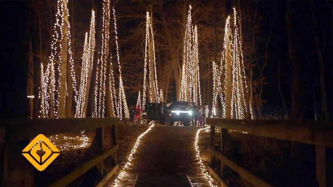 rivian r1t christmas lights