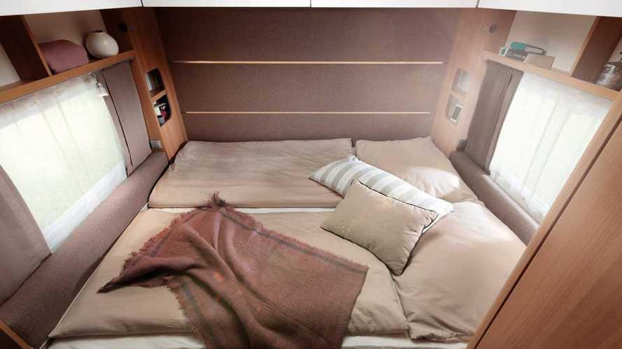 LMC Style 400F: Pärchen-Wohnwagen mit Platz sparendem Klappbett