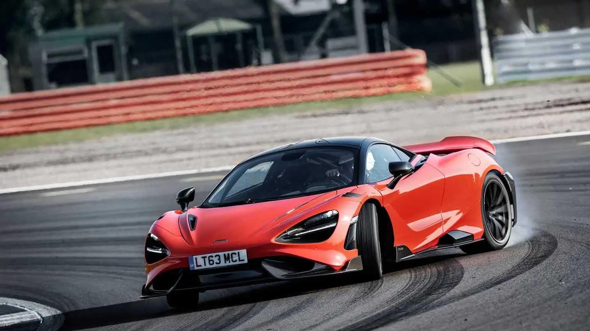 2021 McLaren 765LT front quarter drift