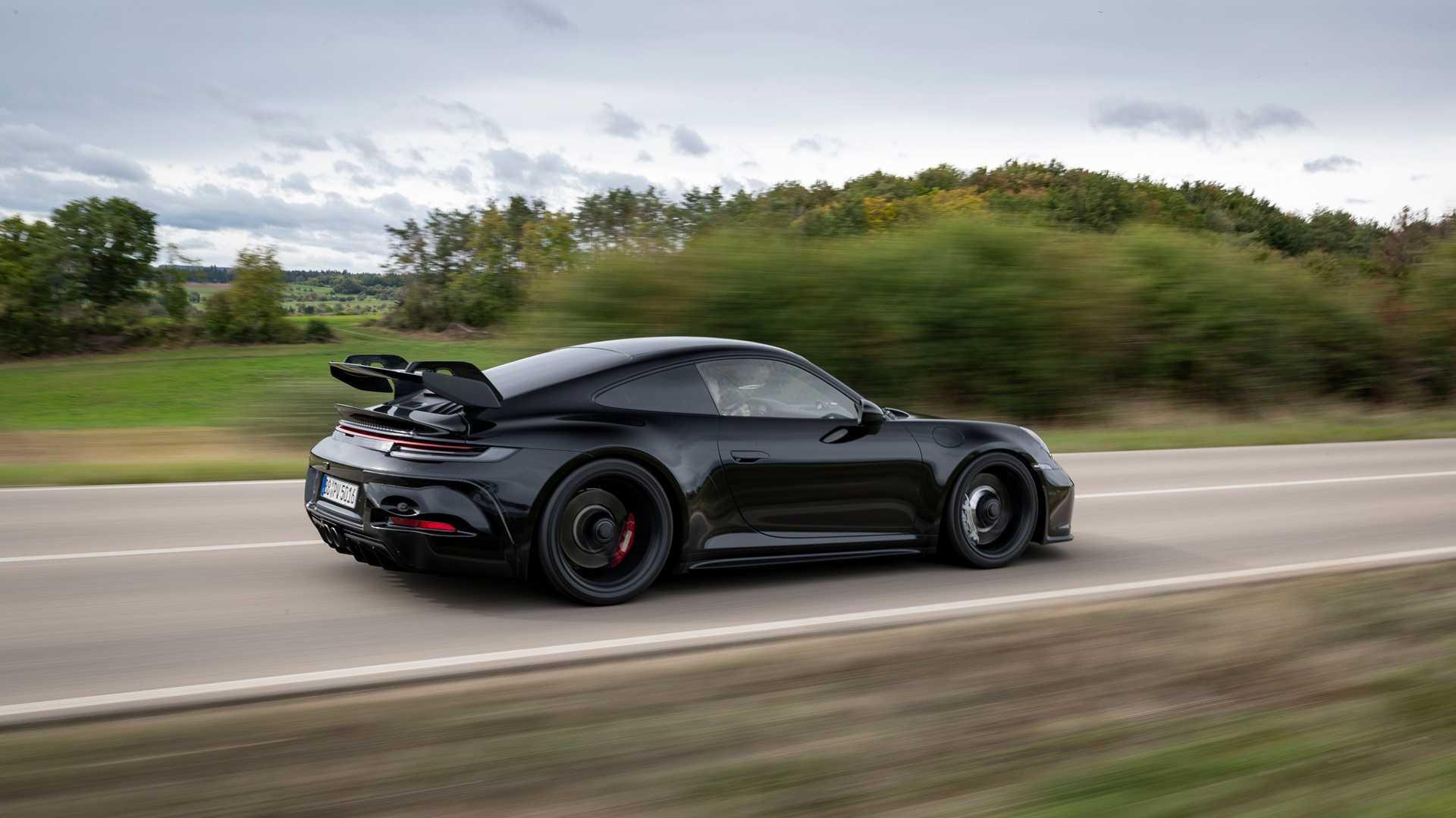 Porsche 992 GT3   2021 - Page 2 2021-porsche-911-gt3-prototype-rear-quarter-tracking