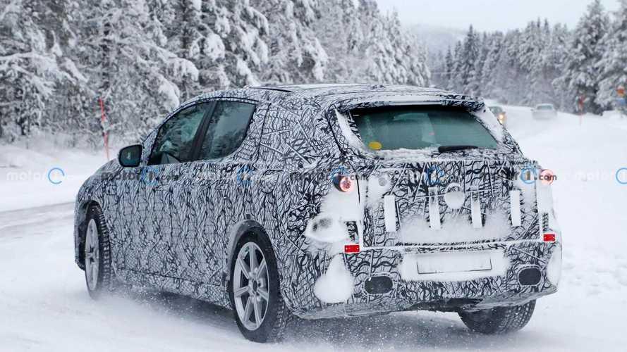 Mercedes EQS SUV, l'anti-Tesla fa sul serio: ecco i test sulla neve