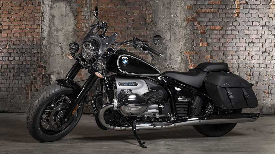 The New BMW R 18 Classic Is A Big-Bore Boxer Tourer
